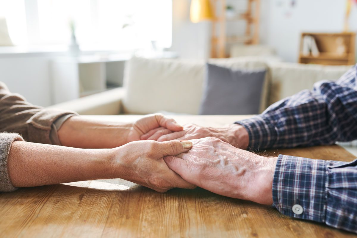 5 Signs That It's Time to Move Aging Parents into Assisted Living - The Selfhelp Home
